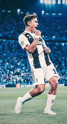 Soccer Post, Soccer Guys, Football Boys, Soccer Ball, Juventus Fc, Juventus Players, Football Players Images, Soccer Players, Ronaldo Quotes