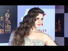 Zarine Khan looks STUNNING At Star Screen Awards 2016.