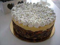 Kedves barátnőm Krisztácska ötletére, mákrajongó párjának készült ez a szülinapi torta. Nem is gondoltam volna, hogy ennyien imádják a m... Hungarian Recipes, Tiramisu, Food And Drink, Ethnic Recipes, Salad, Salads, Tiramisu Cake, Lettuce