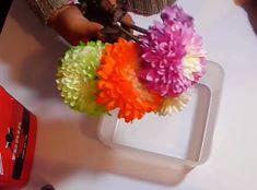 Ella mezclo flores y pegamento y mira lo que sucedió