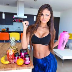 Time to jump start your weight loss journey with the help of #Shredz 30 Day Quick Weight Loss Plan #Sophiamiacova