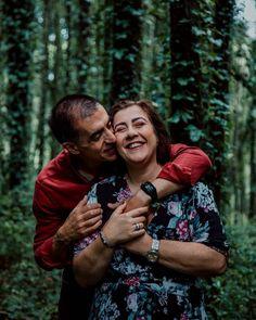 """👰 29 anos 🤵⠀ ⠀ 💍 Quando um casal pensa no casamento, o """"para sempre"""" é o objetivo e a Helena e o Mário são o exemplo perfeito dessa meta. ⠀ ⠀ 💍 Juntos há 29 anos, enche o coração de qualquer pessoa poder assistir e sentir o amor que sentem um pelo outro como se nunca tivessem saído da lua de mel. ⠀ ⠀ 💍 É tao gratificante poder registar estes momentos e este amor tão bonito.⠀ ⠀ 💍 E nós podemos ajudá-la a começar esta nova fase da relação, com dicas semanais com o objetivo de facilitar toda  Couple Photos, Couples, 29 Years Old, First Night Romance, Other, Goal, Natural Person, Couple, Valentines Day Weddings"""