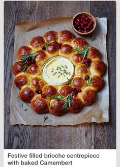 Brioche with ovenbaked camembert