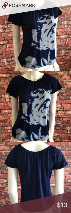 The Limited Floral Print Top The Limited Floral Print Top. Elastic at neck line and waist hem. Size XS. EUC. Worn once. Pet and smoke free home. No Trades! Bundle and save! Inquire below with questions! Thanks for looking, sharing, and saving. The Limited Tops Blouses
