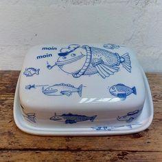 Einzelstück *** Butterdose für die norddeutsche Küche im blau-weissem maritimen Design von Ahoi Marie. Ahoi Marie bietet neben dem ständigen...