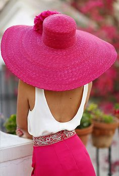 Maybe a pink hat? Would you like some pink with your pink, ma'am? Pink Love, Pretty In Pink, Hot Pink, Perfect Pink, Rosa Hut, Rosa Style, Mode Rose, Bcbg, Pink Hat