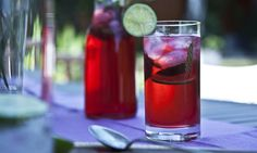 Ibiškovo-mátový ledový čaj   KITCHENETTE