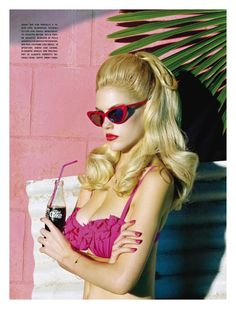 """Sunny & Sexy"" Ashley Smith photographed by Miles Aldridge for Vogue Italia May 2011 Stylist: Cathy Kasterine Hair: Peter Gray Makeup: Lloyd Simmonds Vintage Glamour, Look Vintage, Retro Vintage, Vintage Hair, Vintage Beauty, Pink Lady, Pastell Pink Hair, Pastel Pink, Pink Hair Colors"