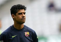Frank Rijkaard Fc Barcelona, Football Players, Coaching, Legends, Number, Beard Styles, Projects, Soccer Players, Life Coaching