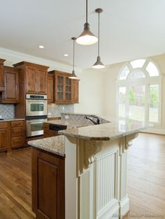 #Kitchen Idea of the Day: Traditional two-tone kitchens.
