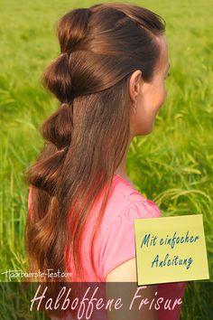 Halboffene Frisur mit einfacher Anleitung ... Dreadlocks, Hair Styles, Beauty, Flower Girl Hairstyles, Quick Work Hairstyles, Simple Hairstyles For Long Hair, Waves, Long Hair, Beleza