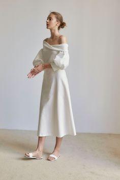 Minimal Dress, White Outfits, White Fashion, Beautiful Gowns, Fashion Outfits, Womens Fashion, Elegant Dresses, Couture Fashion, Bridal Dresses