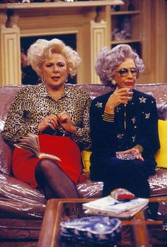 "Renée Taylor as ""Sylvia"" and Ann Morgan Guilbert as ""Yetta"" in The Nanny.You can find The nanny and more on our website.Renée Taylor as ""Sylv. The Nanny, Ann Morgan Guilbert, Nana Fine, Nanny Outfit, Fran Drescher, Celebrity Deaths, Bobe, Golden Girls, Cultura Pop"