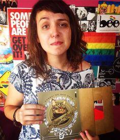 Canal das Bee lança campanha para ajudar jovens LGBTs