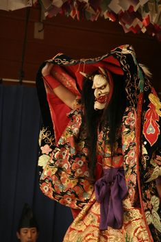 Japanese Kagura theater   Kabuki - traditional Japanese opera, more similar to the Chinese then Europen opera Theatre No, Noh Theatre, Masque Theatre, Japanese Kimono, Japanese Oni, Traditional Japanese, Japanese Culture, Japanese Beauty, Samurai