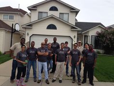 @AlignYourIT @yychelps these are my #YYCFloodHero !!  My team from CompuCom Calgary volunteered to help today! pic.twitter.com/cI0oHmNJMF Today Pic, Business Help, Calgary, Abs, Twitter, Crunches, Abdominal Muscles, Killer Abs, Six Pack Abs