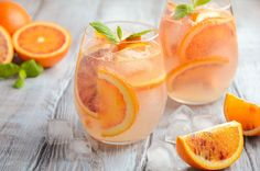 The 23 Best Flavored Water Recipes of All Time recetas prácticas Best Flavored Water, Cucumber Infused Water, Flavored Water Recipes, Cointreau Cocktails, Aperol, Kombucha, Champagne Punch Recipes, Cocktail Recipes, Ginger Ale