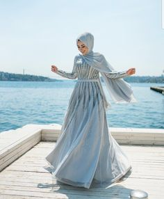 There was a time once when if you wore a hijab and you needed a party dress, it was very difficult to find a long sleeves party hijab dress. Hijab Prom Dress, Hijab Gown, Modest Maxi Dress, Hijab Evening Dress, Modest Outfits, Modest Clothing, Casual Dresses, Muslim Fashion, Modest Fashion