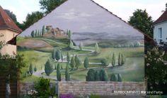 Auftragsarbeit- Malerei einer toskanischen Landschaft auf eine Fassade. www.farbcompany.de