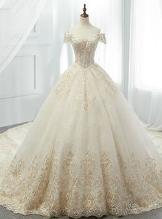 Luxury Champagne Ball Gown Tulle Appliques Off The Shoulder Wedding Dress Luxus Champagner Ballkleid Tüll Applikationen aus der Schulter Brautkleid Dream Wedding Dresses, Bridal Dresses, Wedding Gowns, Tulle Wedding, Ball Dresses, Ball Gowns, Evening Dresses, Quinceanera Dresses, Beautiful Gowns