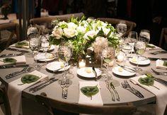 White & green centerpiece // Photo: Scott Clark Photo for Elan Artists
