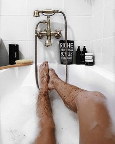 3,101 отметок «Нравится», 24 комментариев — ANASTASIA IPATOVA☁ 23y.o. (@nastiacranberry) в Instagram: «Около половины всех моих баночек на полках в ванной занимает косметика @riche.cosmetic ❤ она очень…»
