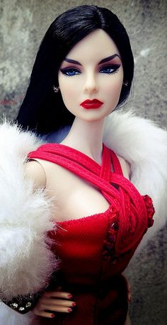 Love the dark hair and blue eyes with red lips