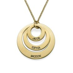 Buy Jewelry for Moms - Three Disc Necklace in Gold Plating from MyNameNecklace Canada! Our personalized jewelry is the perfect gift for every occasion Family Necklace, Kids Necklace, Name Necklace, Monogram Necklace, Engraved Necklace, Russian Ring, Popular Necklaces, Gold Chains For Men, Personalized Jewelry