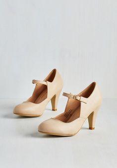Versatile, Chorus, Bridge Heel in Natural - Mid, Faux Leather, Cream, Solid, Work, Minimal, Good, Mary Jane