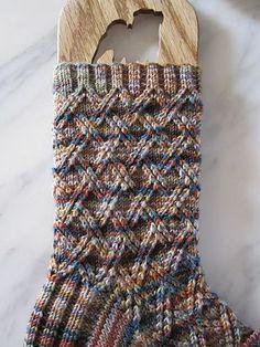 Ravelry: Farmer McGregor Socks pattern by Alice Yu