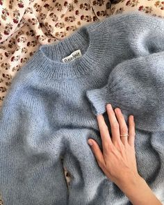 Fall Fashion Trends, Fashion Bloggers, Mode Inspiration, Sweater Weather, Dressmaking, Sweaters For Women, Women's Sweaters, Knitwear, My Style
