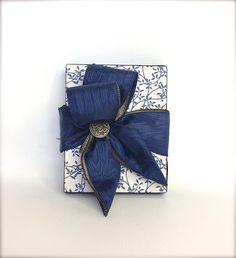 Mens Gift Box  Wrap Wedding Favors Boxes by WrapsodyandInk on Etsy