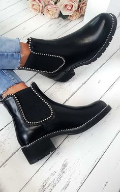 Dani Studded Chelsea Ankle Boots at ikrush - Winter shoes - stiefel Chelsea Boots Style, Chelsea Ankle Boots, Black Chelsea Boots Outfit, Chelsea Shoes, Shoes Boots Ankle, Wide Calf Boots, Cute Shoes Boots, Boot Heels, Black Leather Shoes