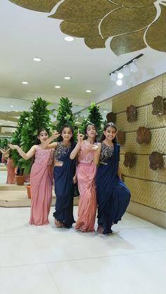 Desi Wedding Dresses, Party Wear Indian Dresses, Indian Bridal Outfits, Indian Fashion Dresses, Bridal Dresses, Indian Wedding Songs, Best Wedding Dance, Wedding Dance Video, Beautiful Girl Dance