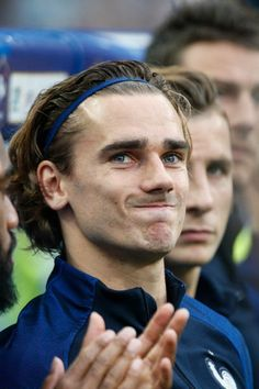 Like A Model: Griezmann - The Prince of France and the current best of Madrid Antoine Griezmann, Ankara Styles For Kids, Man Of The Match, Slicked Back Hair, Football Match, Modern Kids, Lionel Messi, Soccer Players, Fc Barcelona