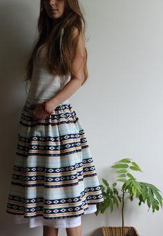 Купить или заказать Хлопковая юбка с рисунком 'орнамент' в интернет-магазине на Ярмарке Мастеров. Хлопковая юбка на резинке из ткани с рисунком 'орнамент'. Подъюбник пришит к поясу юбки, по подолу - хлопковое кружево. Размеры в наличии: Пояс на резинке Длина 65 см .......................