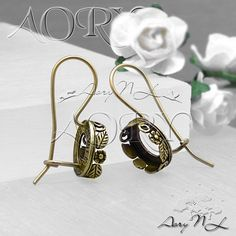 1 Pair Oxidized Brass Flowers and Leaves Crown Bezel by AoryNL