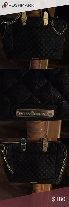 Beautiful Steve MADDEN black and gold purse Beautiful Huge STEVE MADDAN purses black and gold with straps that you can remove it is big enough to put computer tablets books and much more 💥💥💥💥🌟🌟🔥🔥 Steven By Steve Madden Bags Shoulder Bags