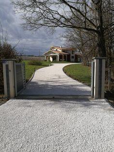 Cour en alvéoles et gravier comblanchien Driveways, Landscaping, Paradise, Sidewalk, Deco, Home, Gardens, Paths, Courtyards
