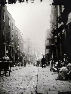 Saffron Hill, Clerkenwell, London Victorian London, Vintage London, Old London, East End London, Victorian Life, City Of London, London Street, Uk Photos, London Photos