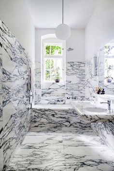 5 Contemporary Bathroom Designs for Enlarging Small Spaces » StyleChile   Life, Styled