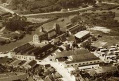 Vista aérea de Joinville em 1950. Em destaque, o Moinho Joinville, no Bucarein 1950, The Neighborhood, Train, Waterfalls, Santa Catarina