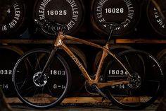 Conoce la bicicleta creada en colaboración con @glenmorangieusa y @renovo_ fabricada con barricas de whisky. Más información de esta creación la encontrarás en nuestro sitio www.robbreport.mx #bicicleta #bicycle #renovo #glemorangie #barrica #madera #whisky #diseño #design #lujo #luxury #rrmx via ROBB REPORT MEXICO MAGAZINE OFFICIAL INSTAGRAM - Luxury  Lifestyle  Style  Travel  Tech  Gadgets  Jewelry  Cars  Aviation  Entertainment  Boating  Yachts