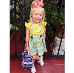 day of preschool outfit lovely desighed dress and Evers smile to mach it Little Girl Outfits, Cute Little Girls, Cute Kids, Kids Outfits, Cole And Savannah, Savannah Soutas, Fashion Kids, Kindergarten Outfit, Picture Day Outfits