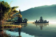 Ulun Danu Temple Architecture #ulundanutemple #balitemple #baliarchitecture #architecture #bali