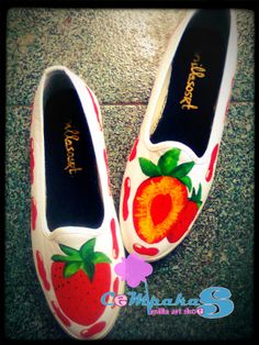 hand-painted shoes Strawberry #Fruit #SLOP #White #Vanillasosrt