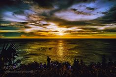 Watching The Sun Go Down by hua2rco #Landscapes #Landscapephotography #Nature #Travel #photography #pictureoftheday #photooftheday #photooftheweek #trending #trendingnow #picoftheday #picoftheweek