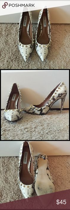 Steve Madden size 8 pumps Steve Madden size 8 studded pumps. Worn once, in great condition. Steve Madden Shoes Heels