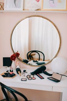 Genius Ways To Organize Everything In Your Vanity (Or office supplies!)