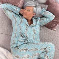 simpson.house Short White Hair, Grey Hair, Sassy Haircuts, Pajama Day, Stay In Bed, Fashion Over 50, Going Out, White Shorts, Short Hair Styles